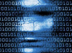 Cette image montre une succession de O et de 1 sur un fond d'image constitué d'un visage flouté. Elle est à base de couleurs bleues foncées et noires.